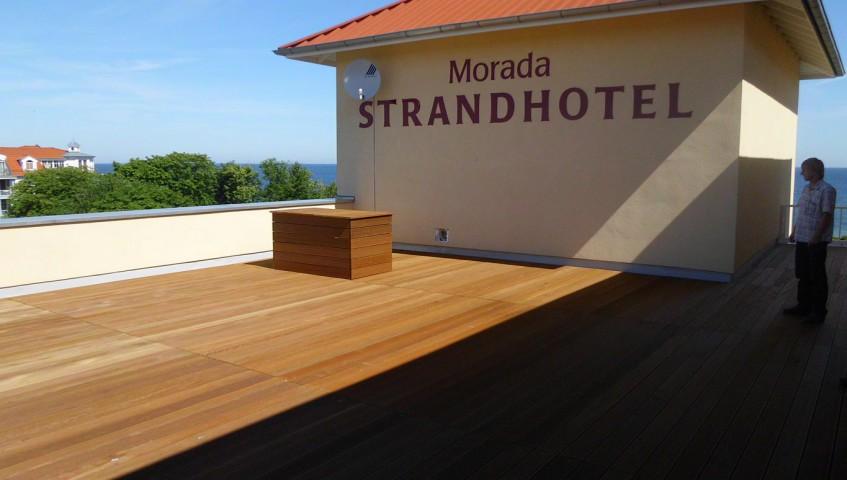 Morada Strandhotel Holtterrasse aus Tropenholz vom Unternehmen Holzbau Jenss