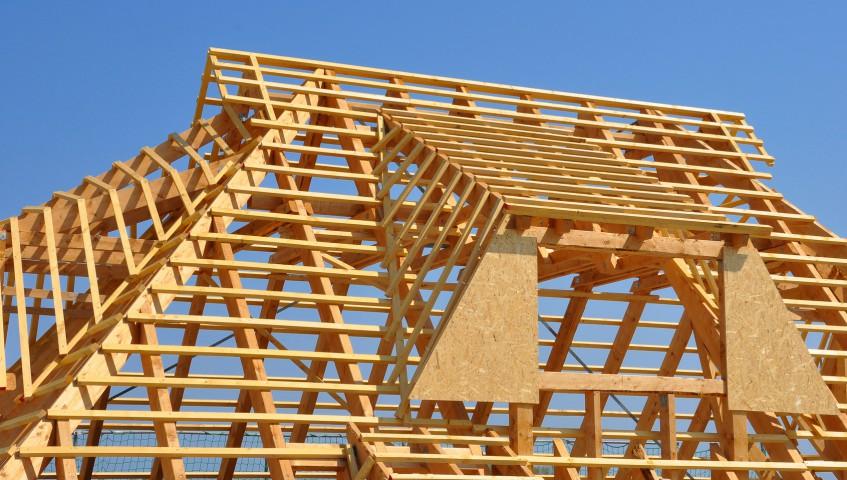 Dachlattenkonstruktion aus Holz vom Unternehmen Holzbau Jenss
