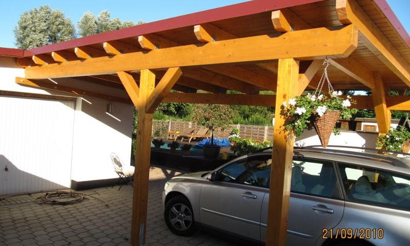 Carport aus Holz vom Unternehmen Holzbau Jenss